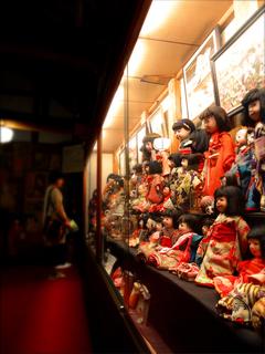 34人形の家s.jpg